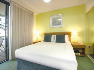 Oaks Calypso Plaza - WA Accommodation