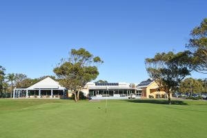 Hawks Nest Golf Club - WA Accommodation