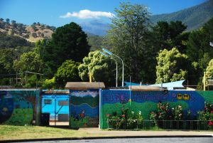 Eildon Outdoor Swimming Pool - WA Accommodation