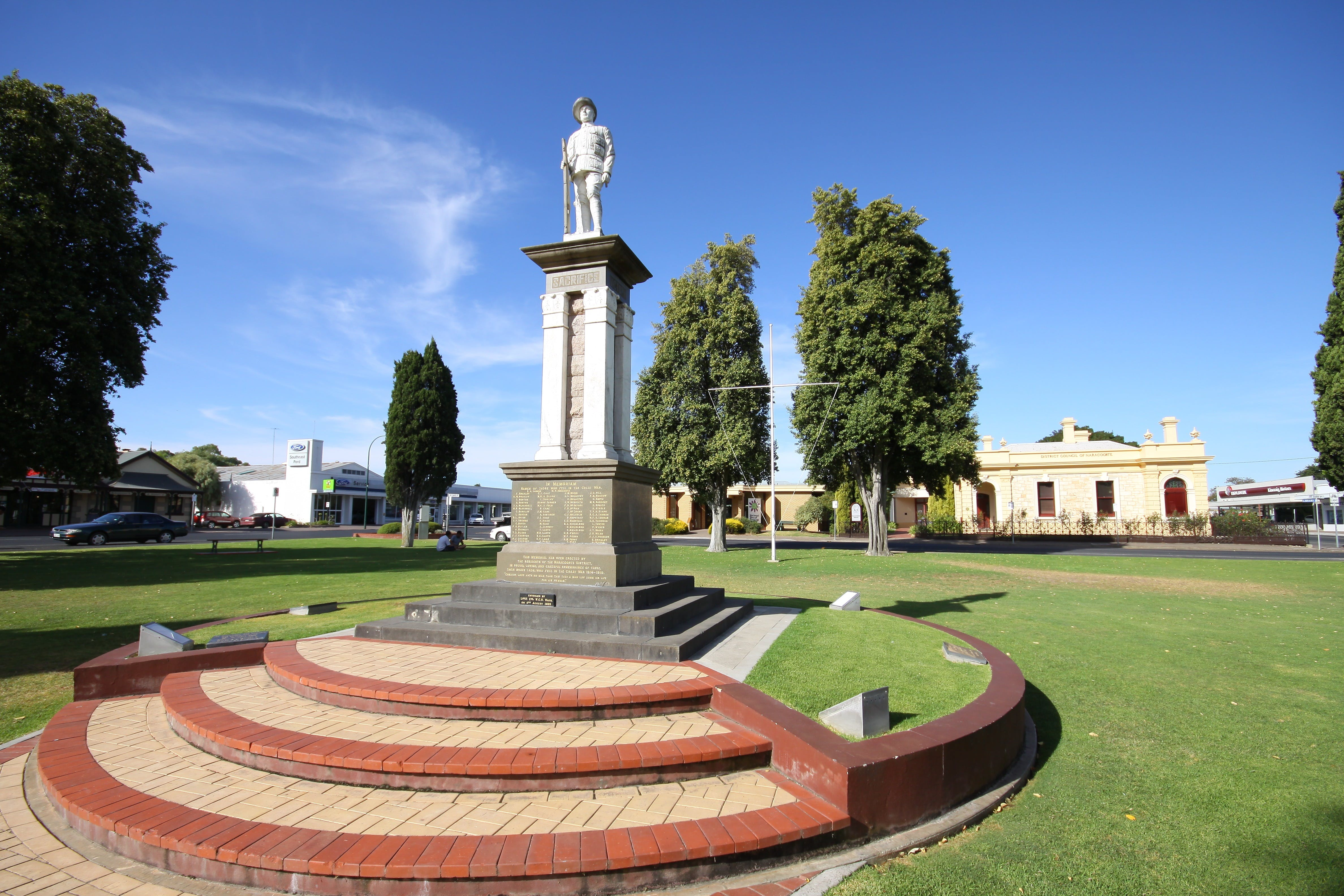 Naracoorte Town Square - WA Accommodation