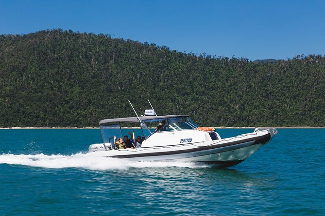 Private Standard Charter Experience in Whitsundays - WA Accommodation