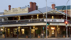 Coopers Alehouse at the Earl - WA Accommodation