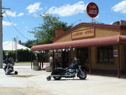 Albion Hotel Swifts Creek - WA Accommodation