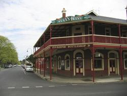 Ryans Hotel - WA Accommodation