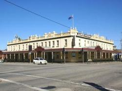 Soden's Australia Hotel - WA Accommodation