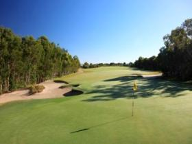 Pelican Waters Golf Club - WA Accommodation