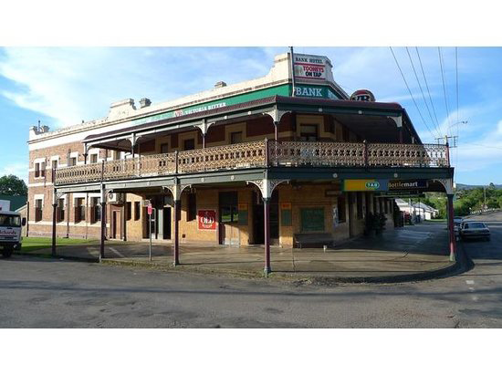 Bank Hotel Dungog - WA Accommodation