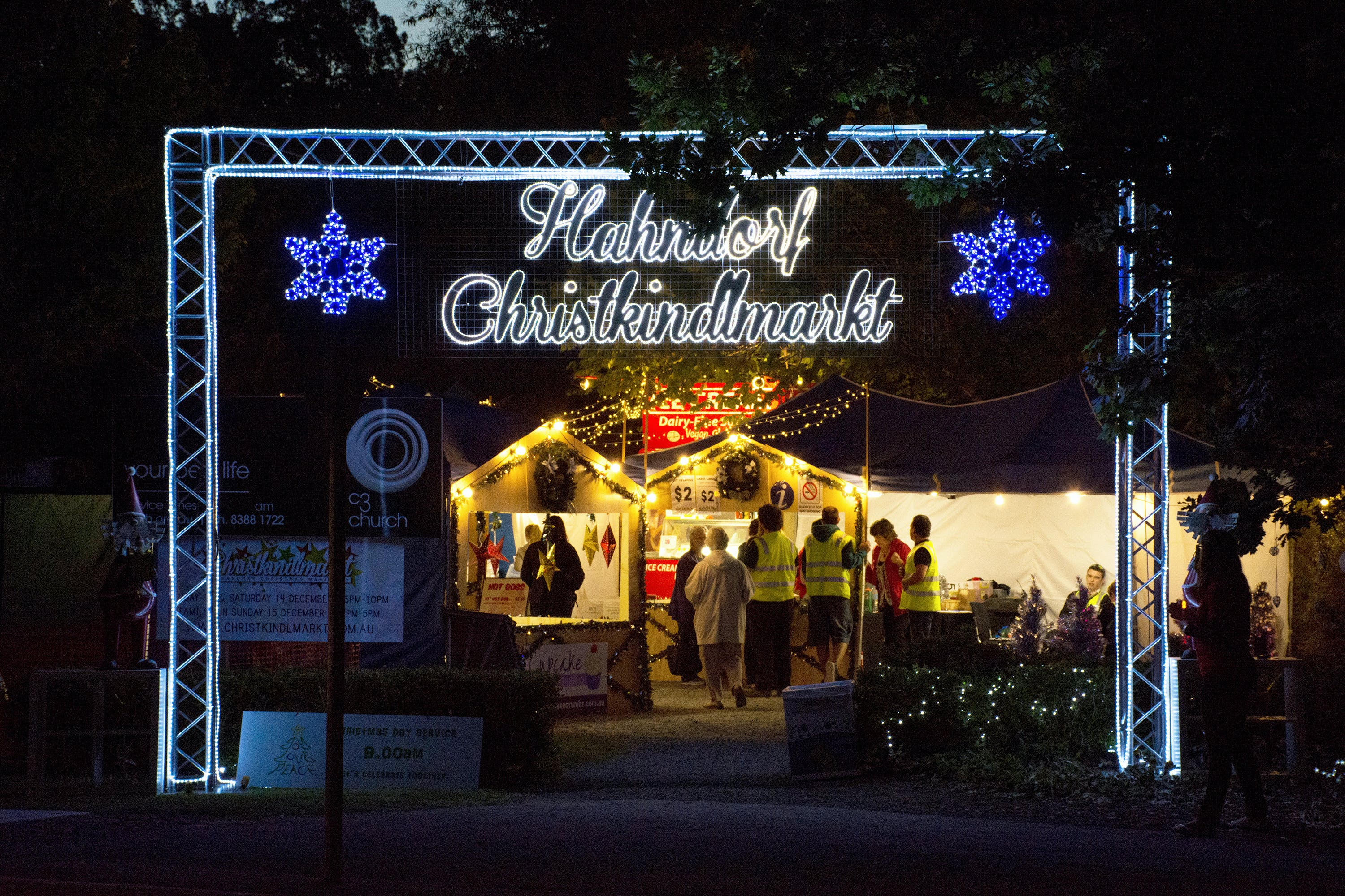 Hahndorf Christmas Market Walking Tours - WA Accommodation