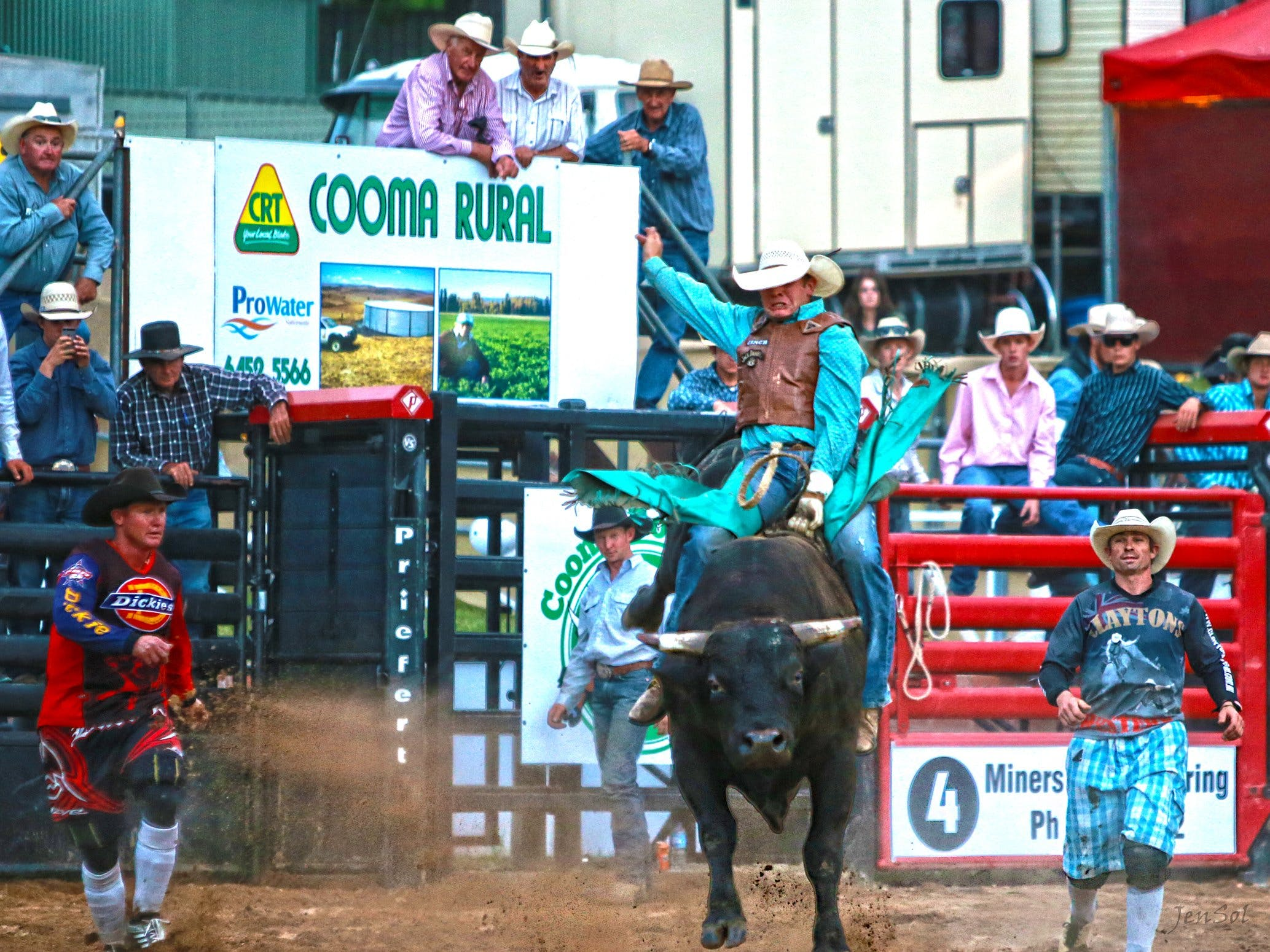AgriWest Cooma Rodeo - WA Accommodation