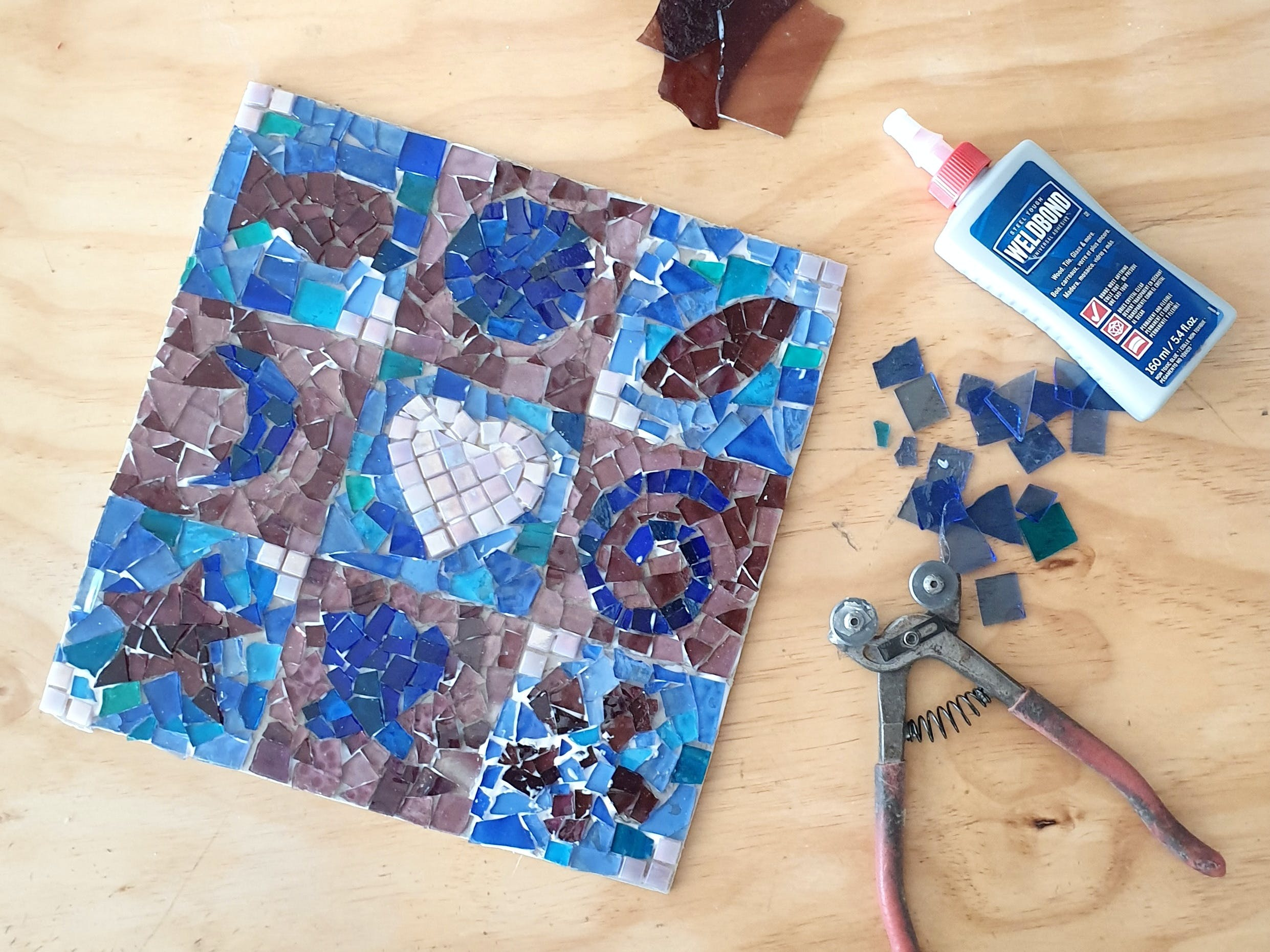 Intro to Mosaics Weekend with Leadlight By Ettore - WA Accommodation