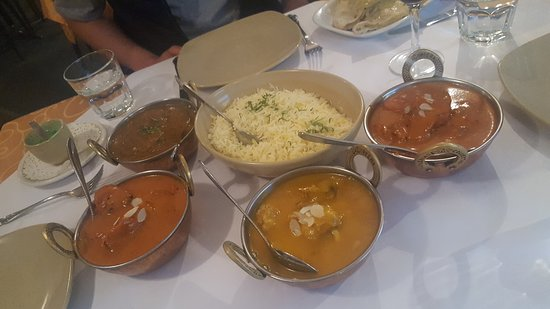 Tandoori  Curry Club - WA Accommodation
