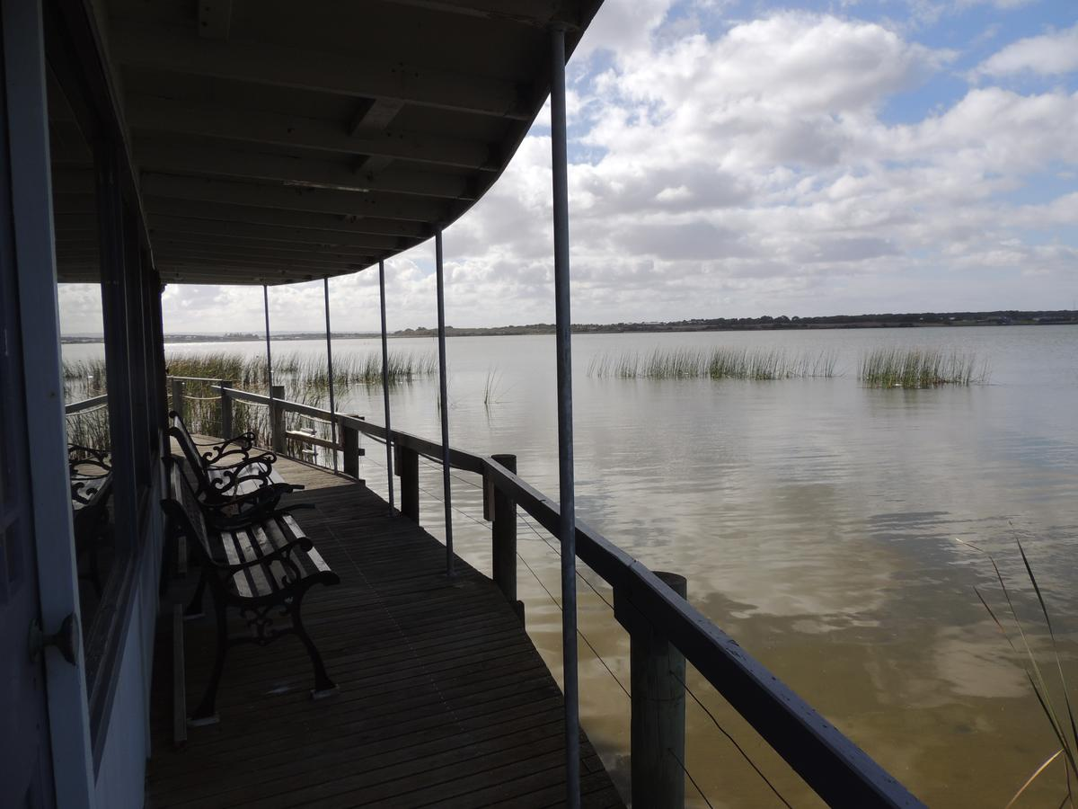 PS Federal Retreat Paddle Steamer Goolwa - WA Accommodation