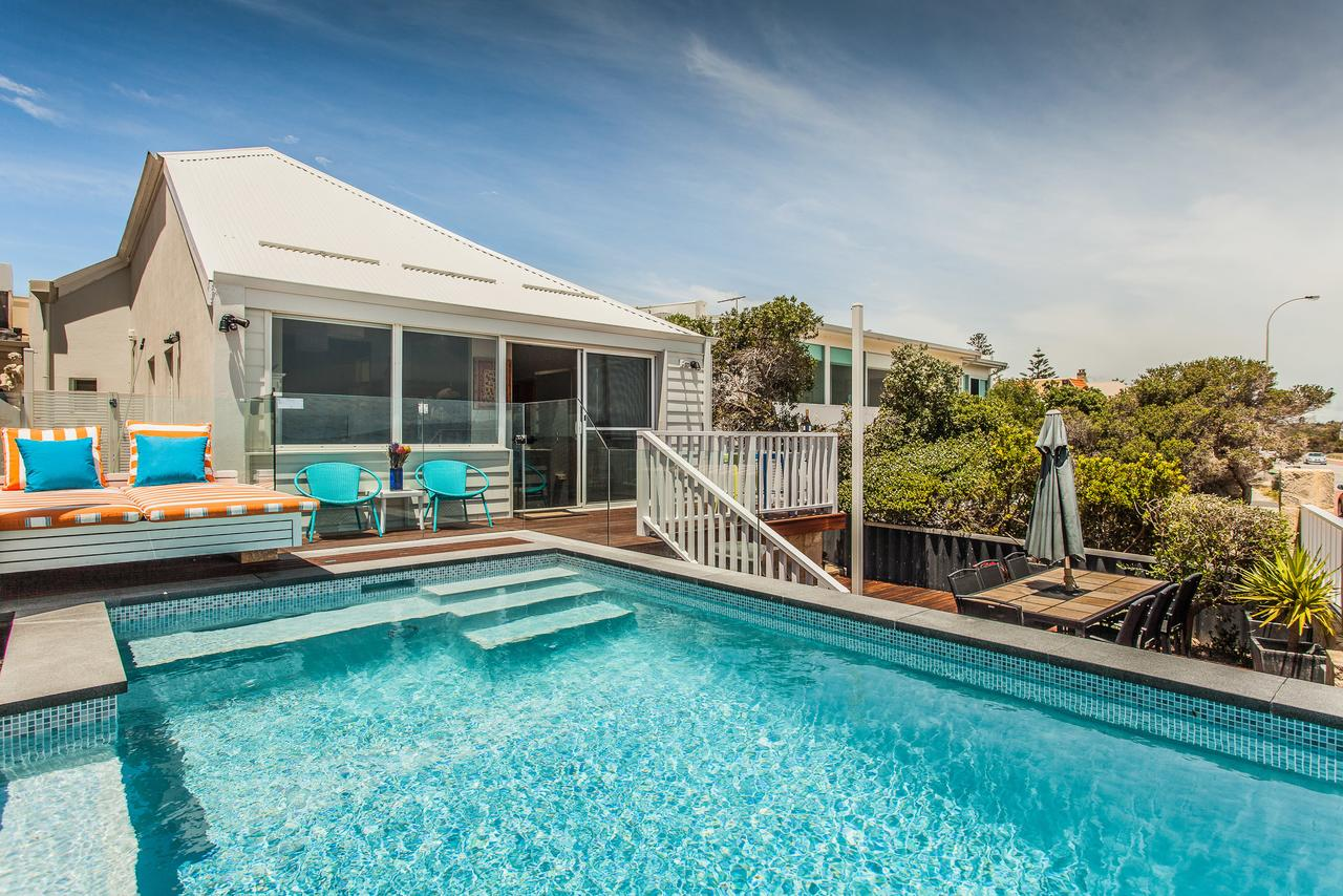 Cottesloe Beach House I - WA Accommodation
