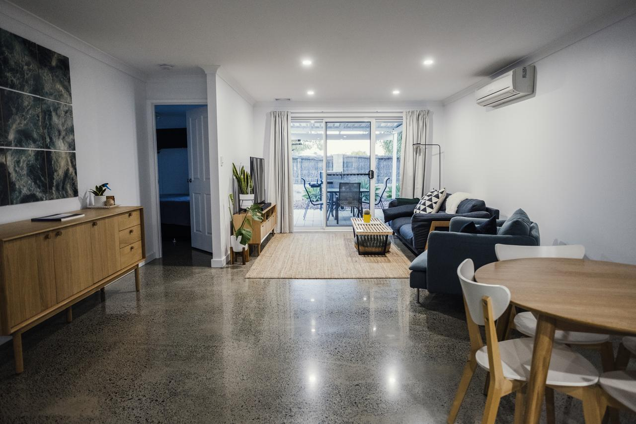 FortyTwo - Oceanside Retreat Busselton - WA Accommodation