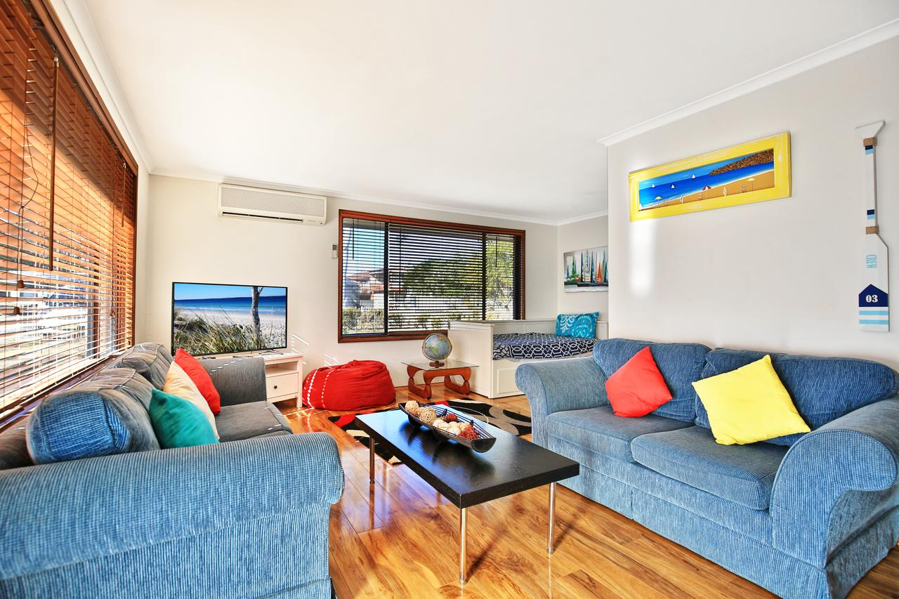 Sandy Toes Beach House Jervis Bay - 2min to Beach - WA Accommodation