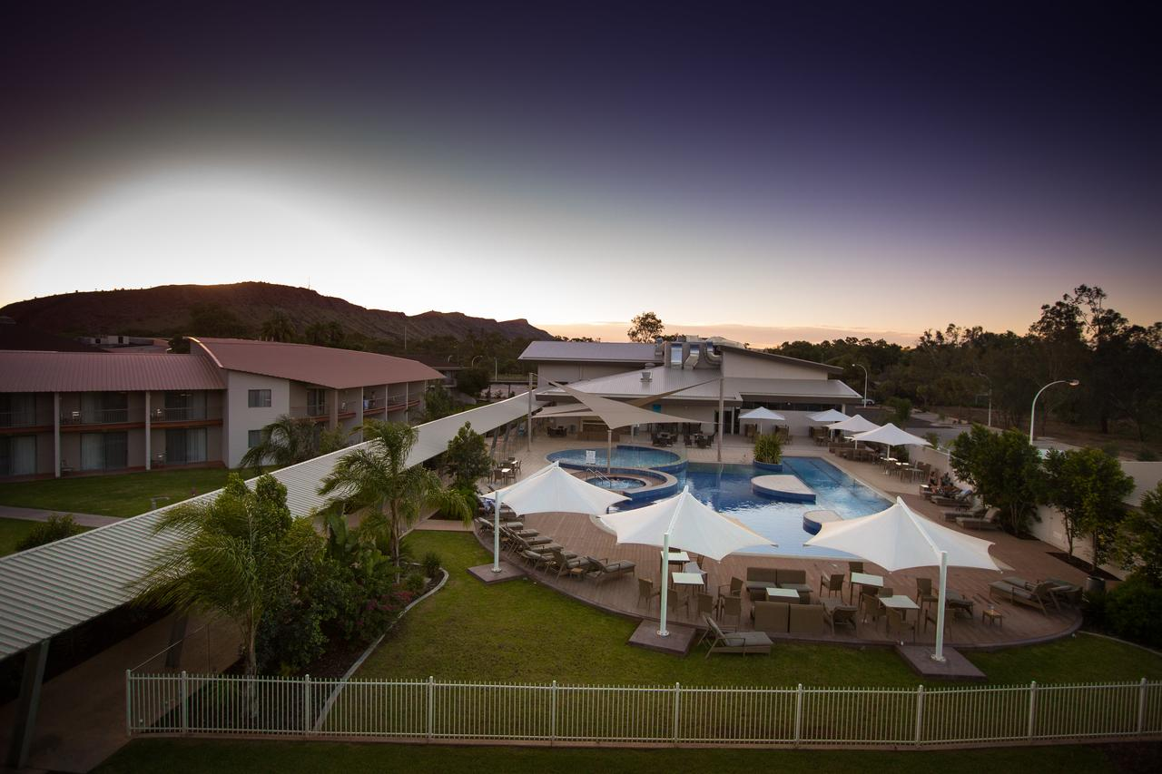 Crowne Plaza Alice Springs Lasseters - WA Accommodation