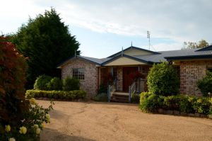 Brick Creek House - WA Accommodation
