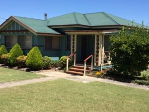 FROGGIES HOLIDAY HOUSE - WA Accommodation