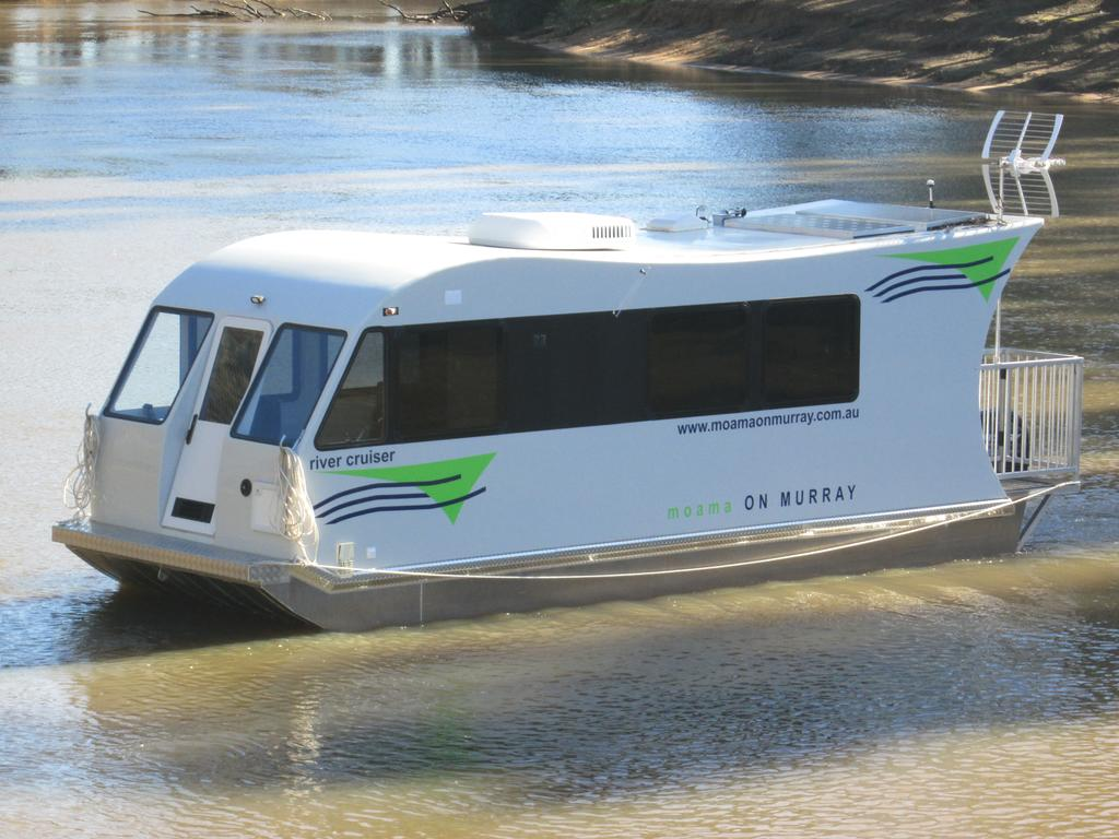 Moama on Murray Houseboats - WA Accommodation