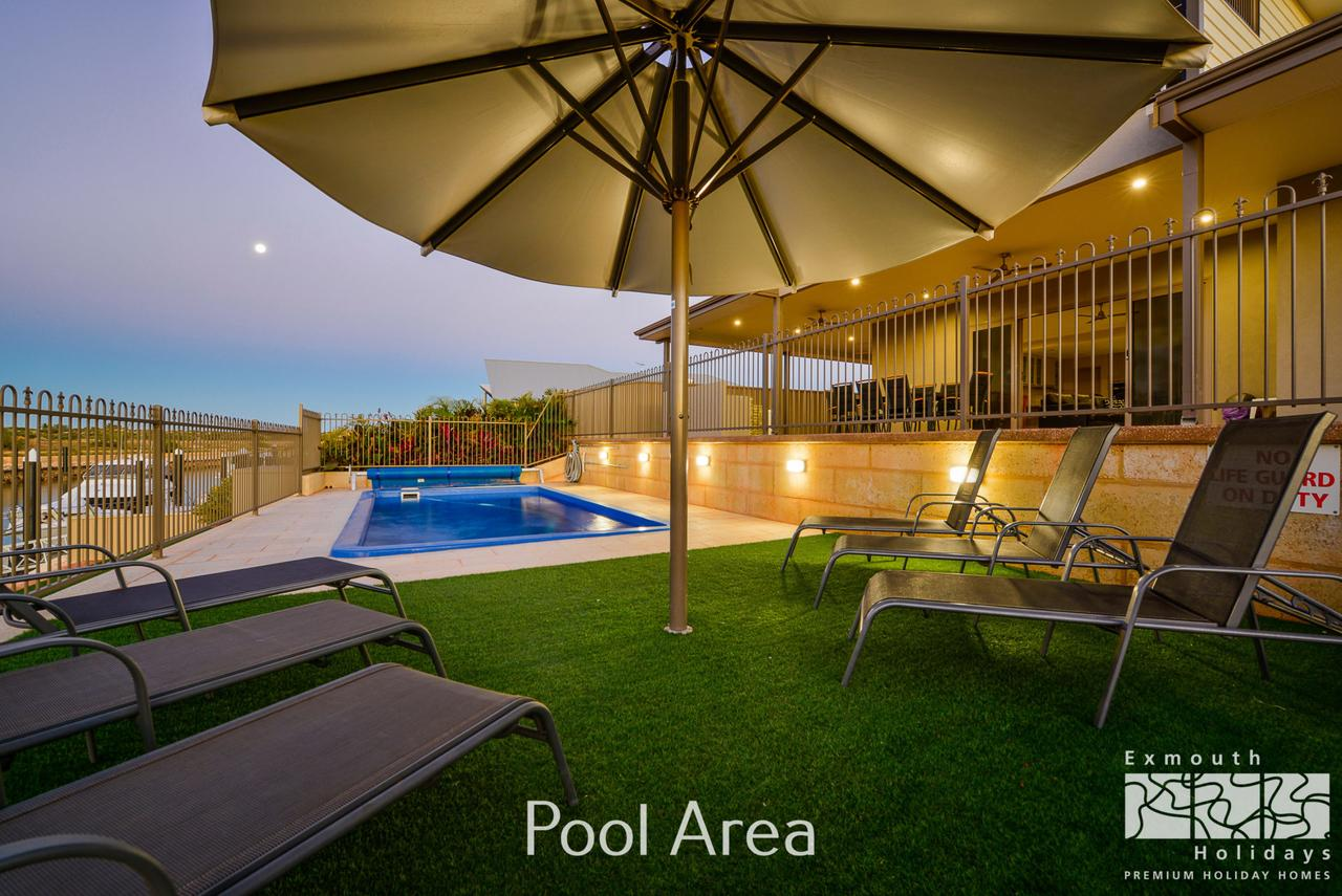 7 Kestrel Place - PRIVATE JETTY  POOL - WA Accommodation