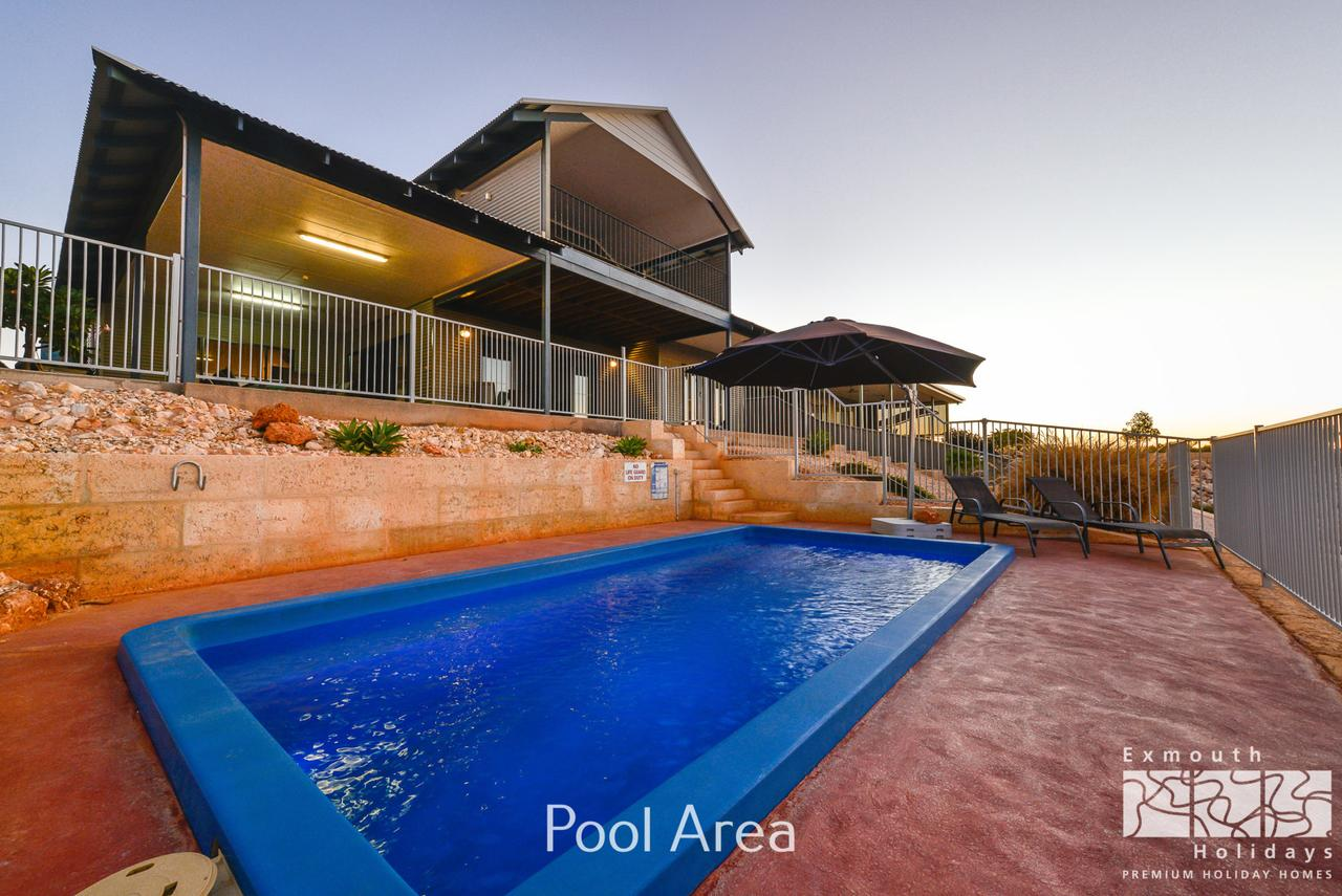 3 Kestrel Place - PRIVATE JETTY  POOL - WA Accommodation