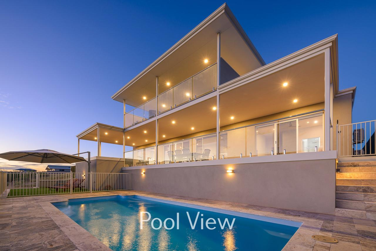32 Corella Court - Private Jetty and Pool - WA Accommodation