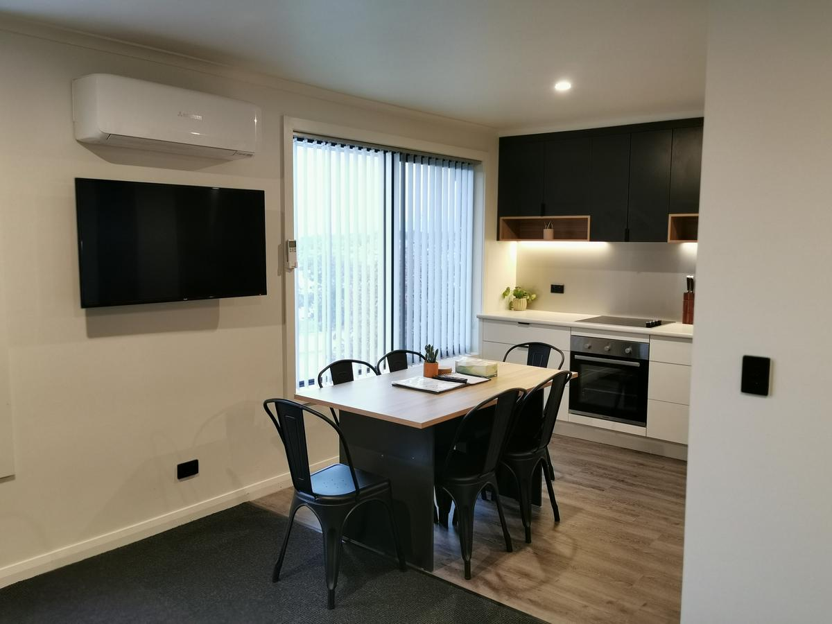 Youngtown Executive Apartments - WA Accommodation