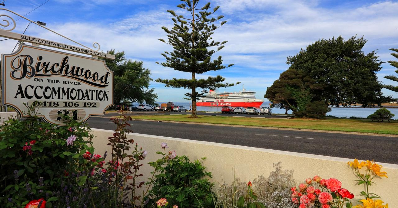 Birchwood Devonport self-contained self catering accommodation - WA Accommodation