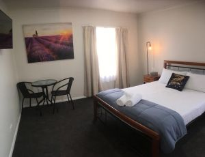 3ree- Spacious  Charming Apartment - WA Accommodation