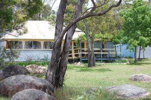 Twisted Gum Vineyard Cottage - WA Accommodation