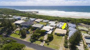 Bailey's Beach House - WA Accommodation
